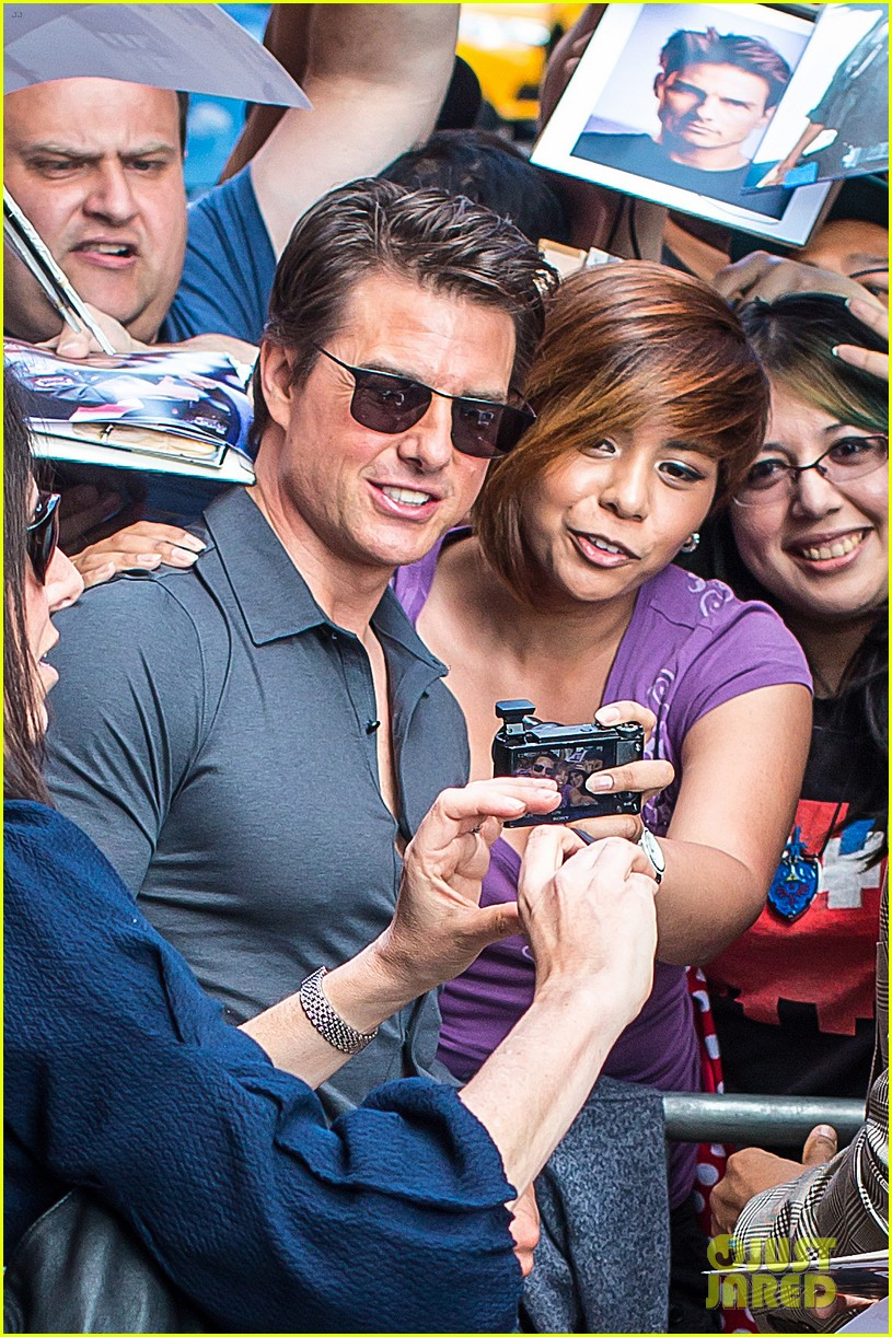 tom cruise watches one movie every day 033129192