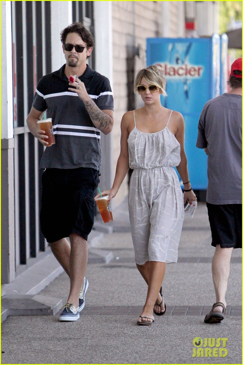 kaley cuoco ryan sweeting spend sunday together 013126147