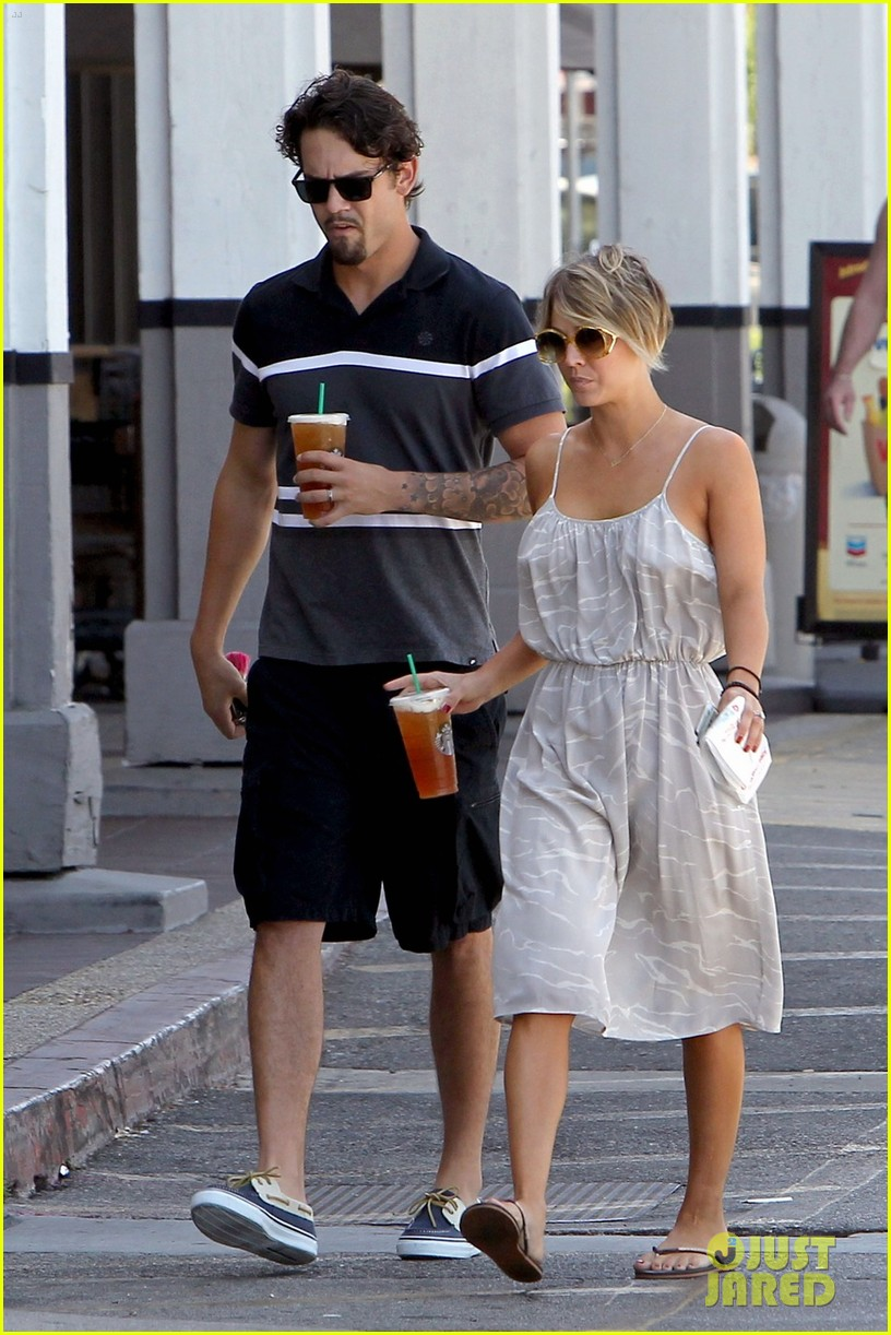 kaley cuoco ryan sweeting spend sunday together 033126149