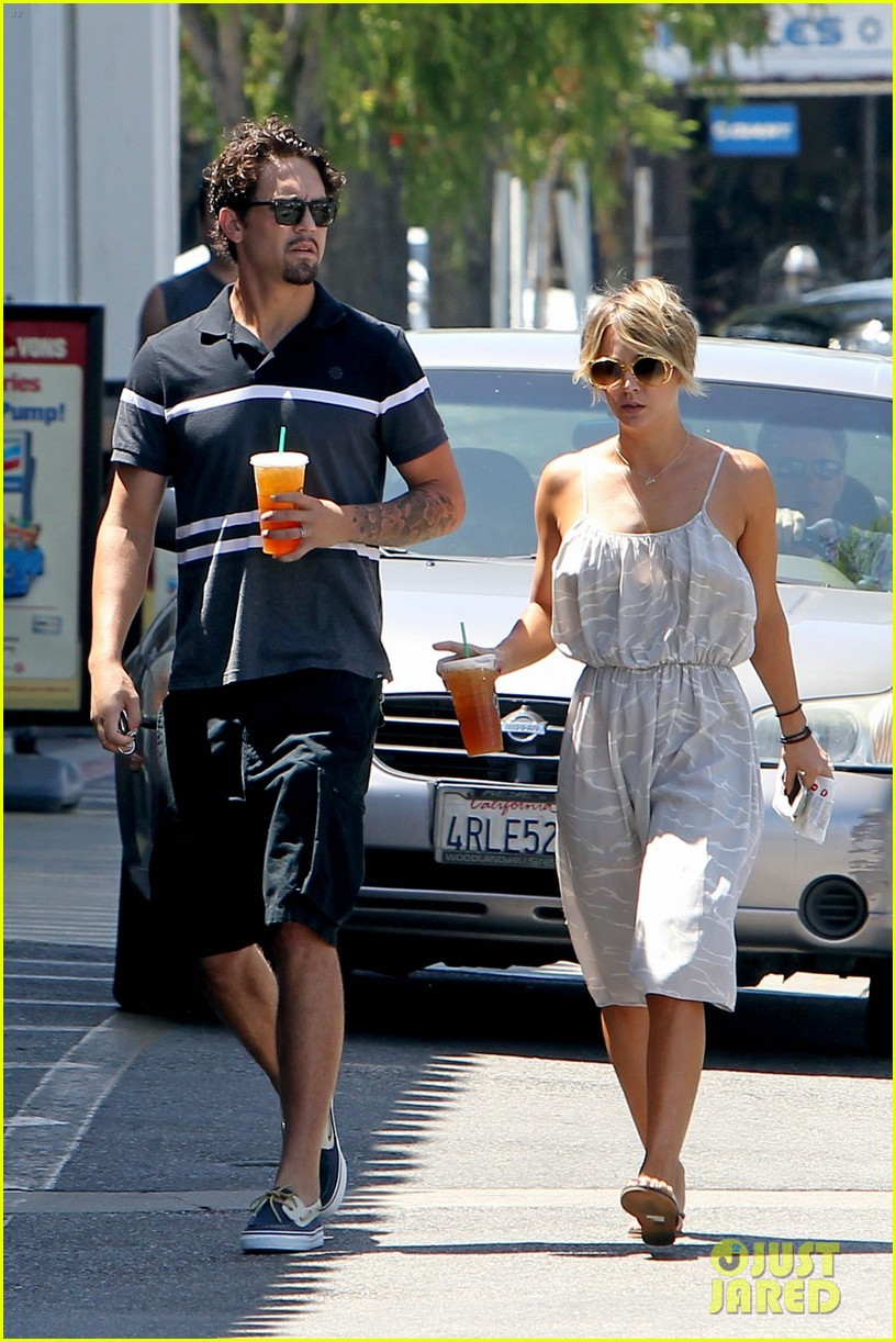 kaley cuoco ryan sweeting spend sunday together 053126151