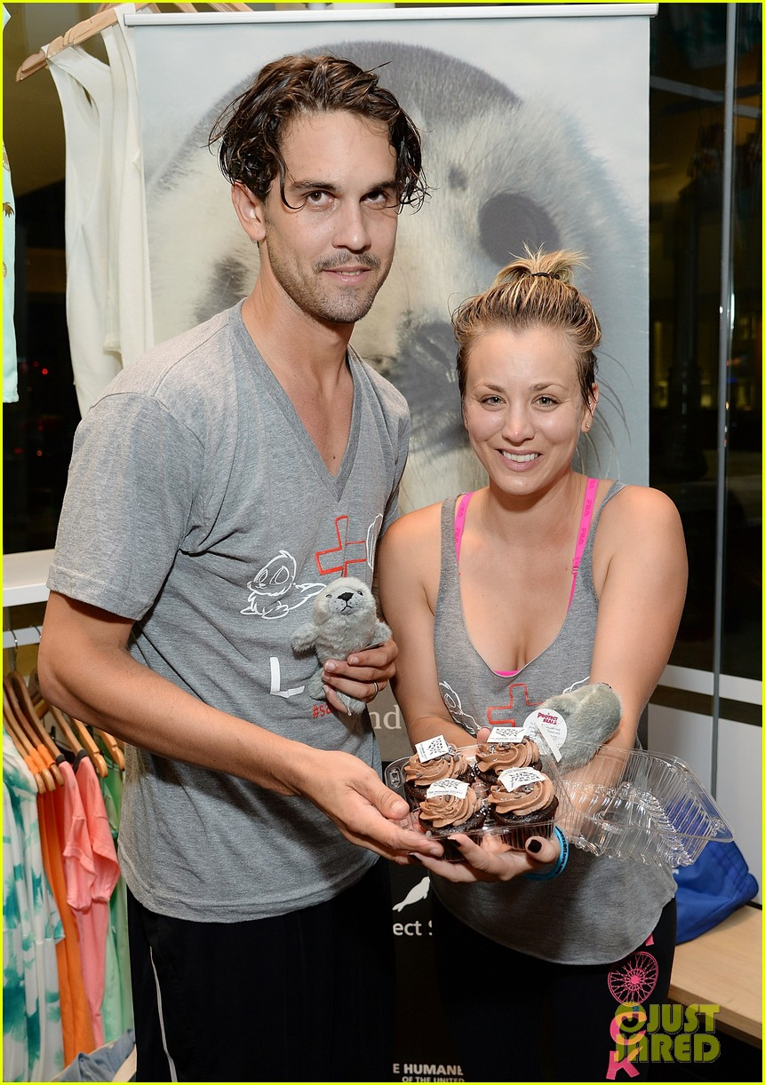 kaley cuoco works up a sweat at seals benefit 033143201