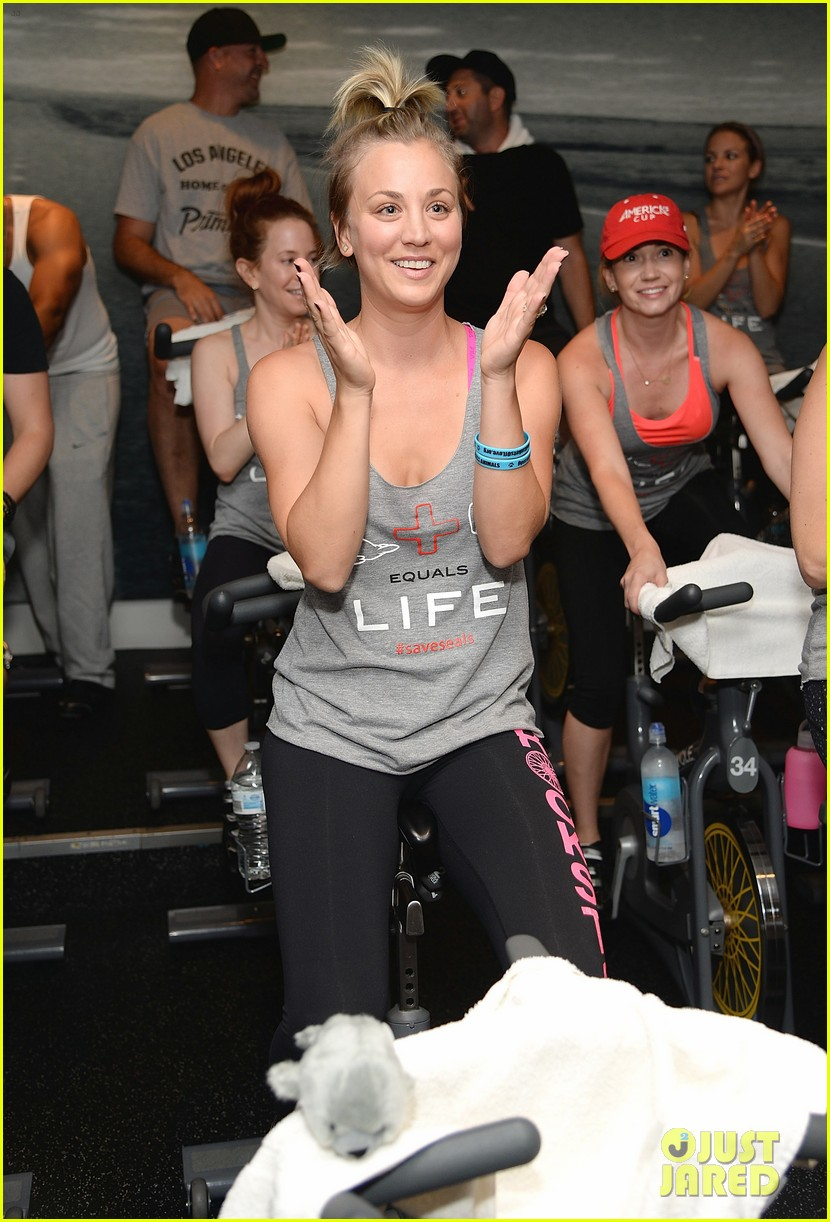 kaley cuoco works up a sweat at seals benefit 073143205