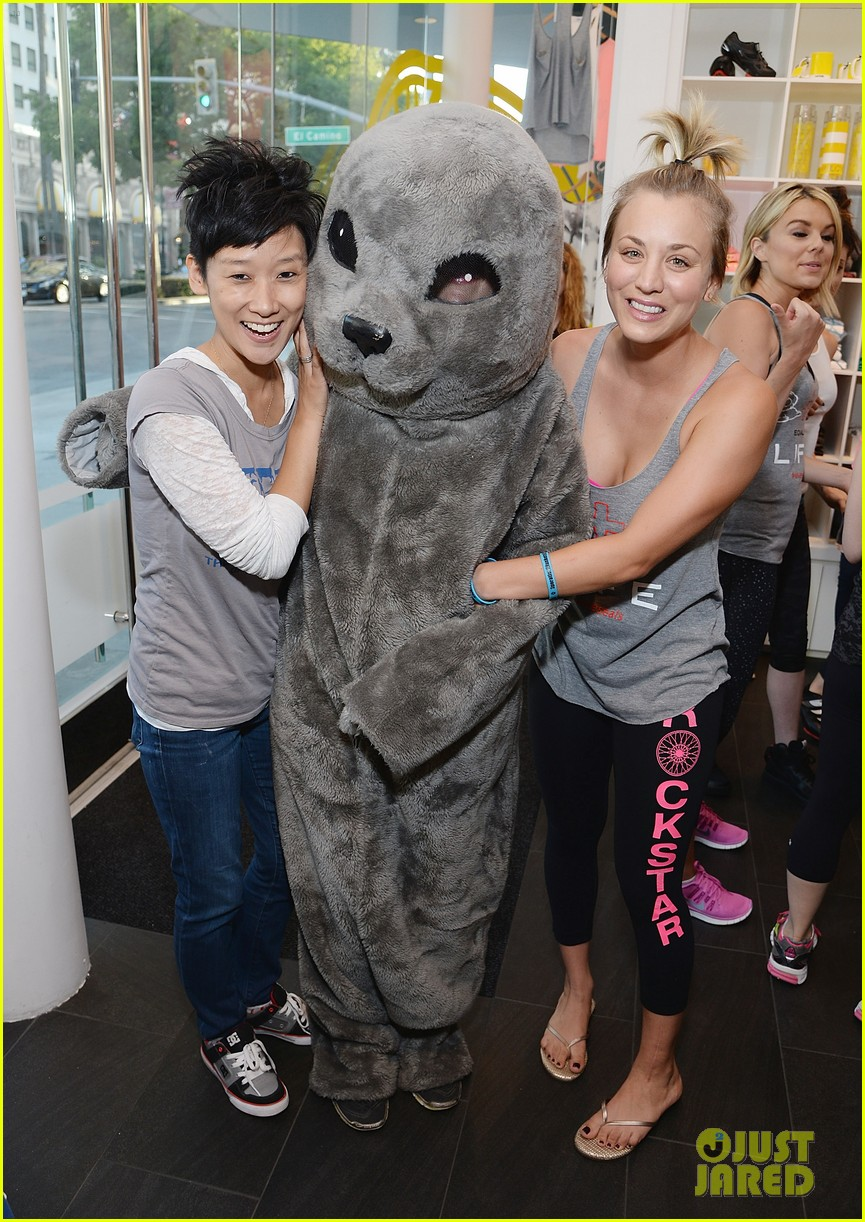 kaley cuoco works up a sweat at seals benefit 16