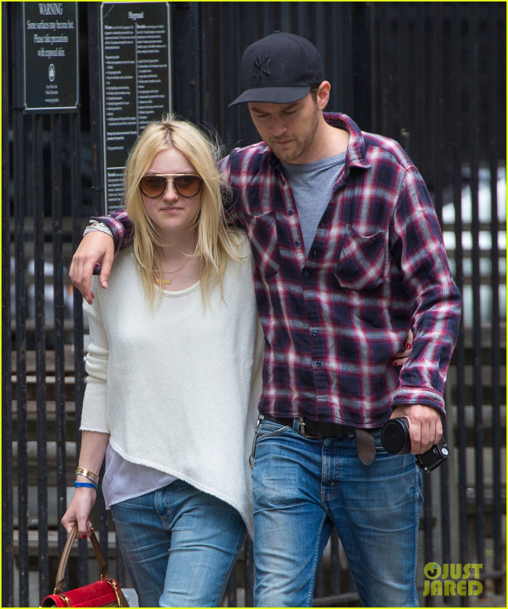 dakota fanning jamie strachan inseparable nyc 02