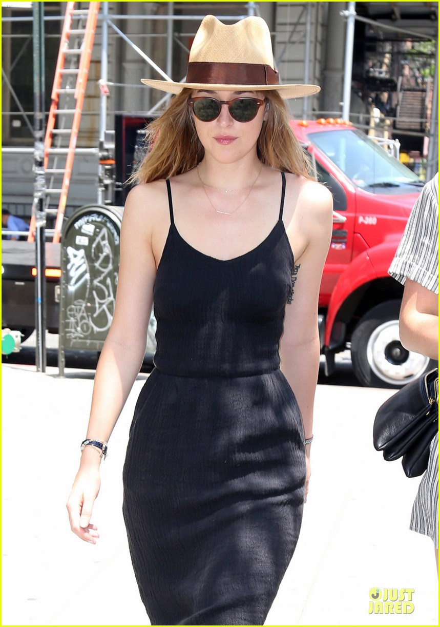dakota johnson flow with fifty shades of grey frenzy 023127544