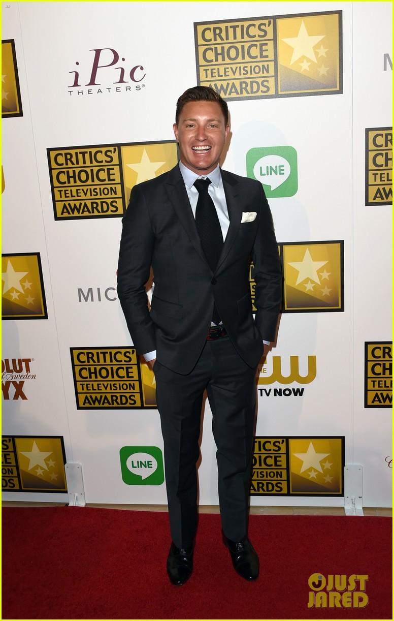 josh dallas colton haynes critics choice tv awards 2014 143139313