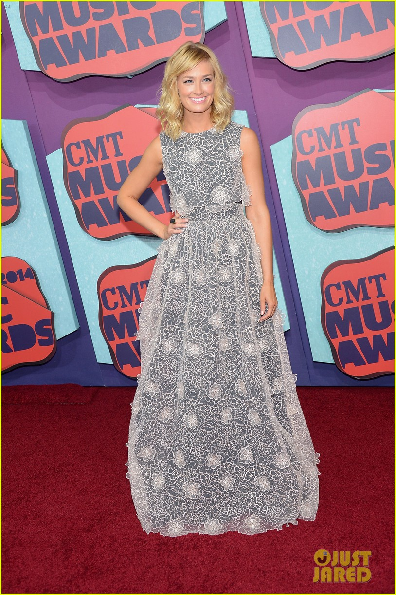 brooklyn decker cmt music awards 2014 083128330
