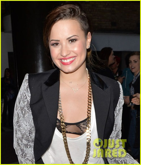 demi lovato ride or die with her friends 013126463
