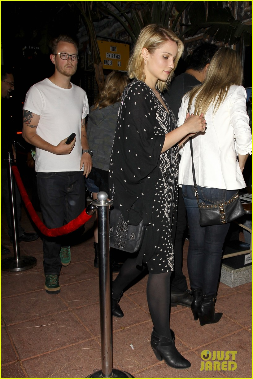 dianna agron jack white concert mystery man 013133964