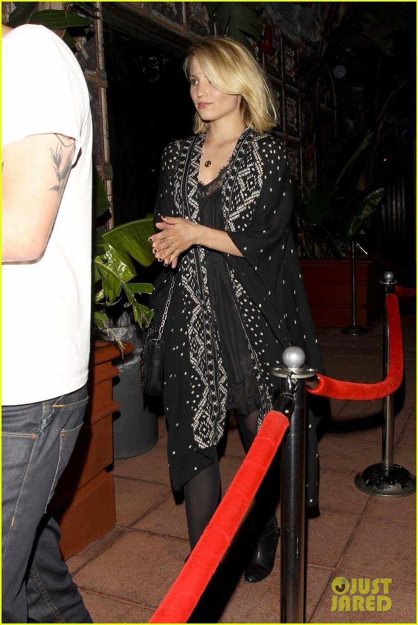 dianna agron jack white concert mystery man 033133966
