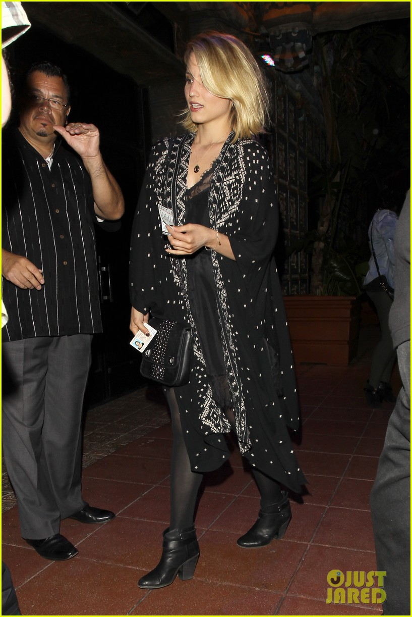 dianna agron jack white concert mystery man 053133968