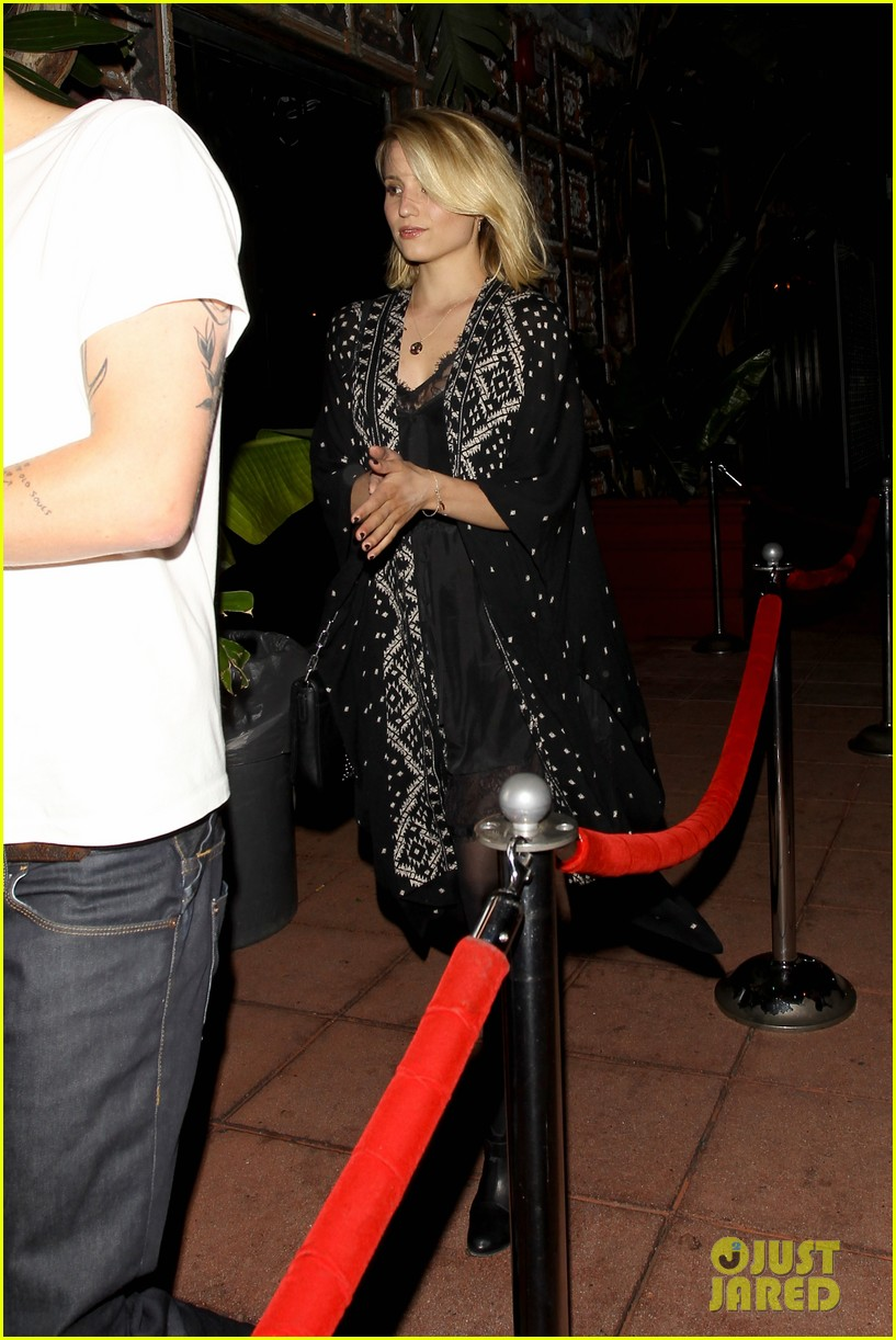 dianna agron jack white concert mystery man 113133974