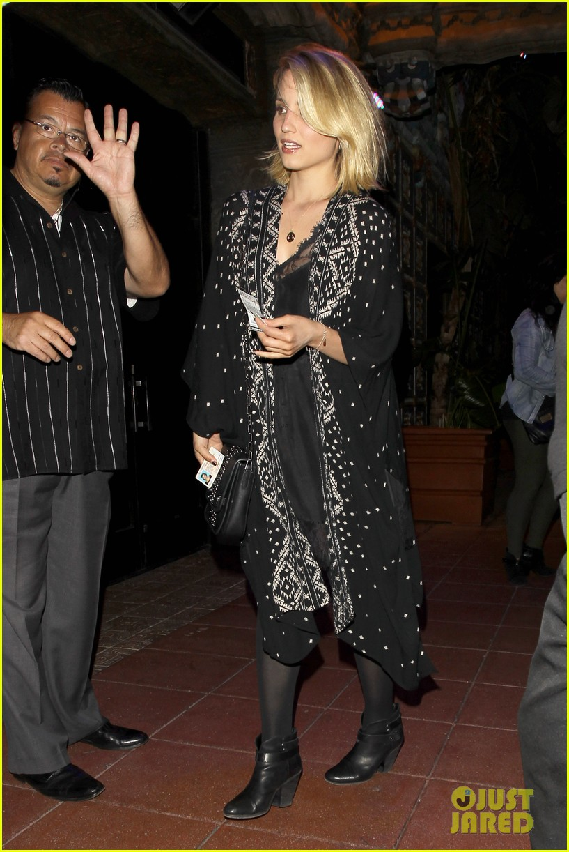dianna agron jack white concert mystery man 14