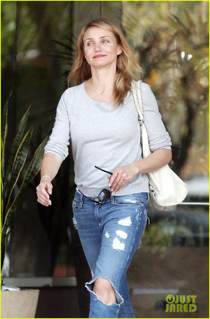 cameron diaz is happy right now 083133346