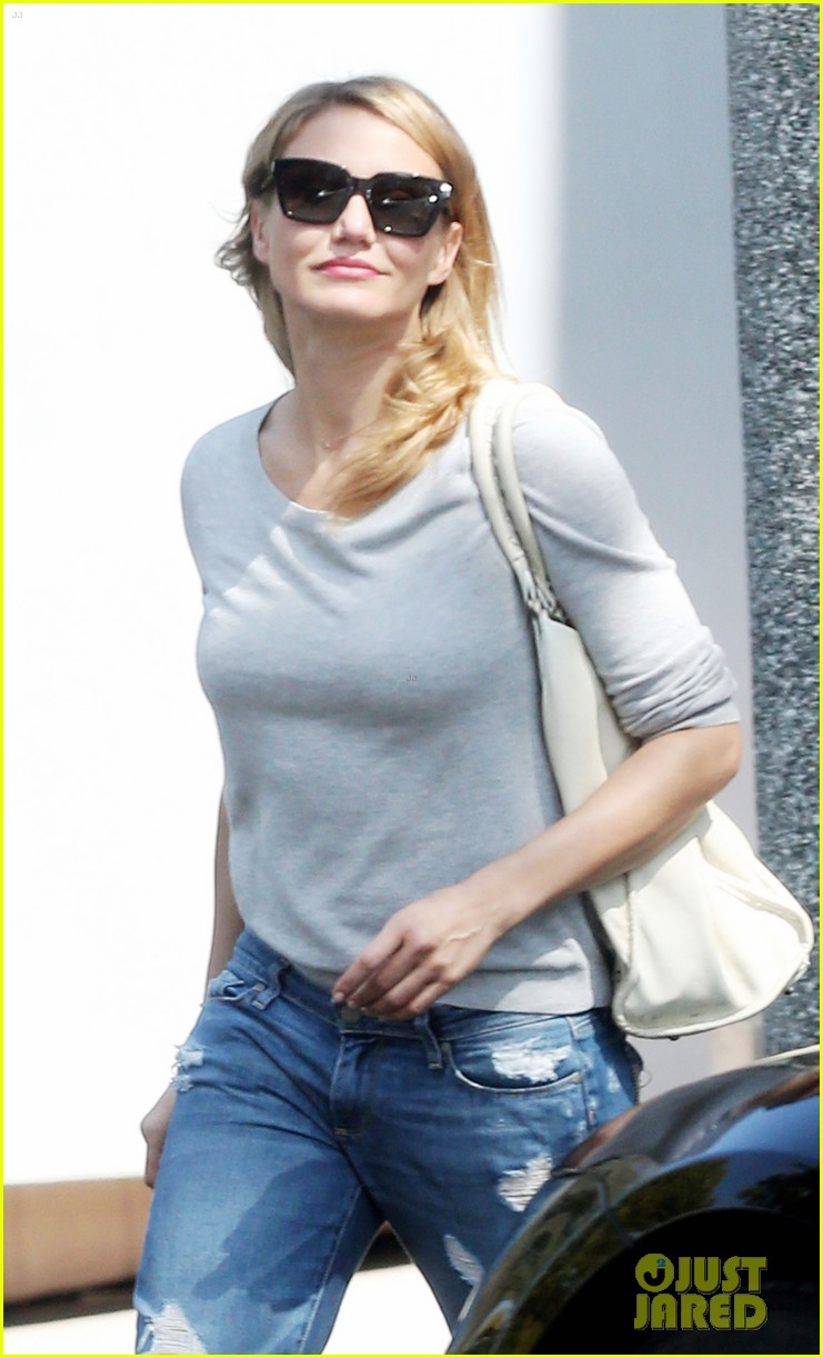 cameron diaz is happy right now 163133354