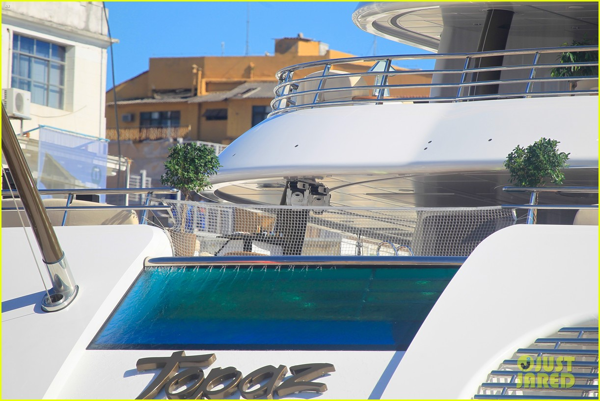 leonardo dicaprio luxury yacht world cup 073134145