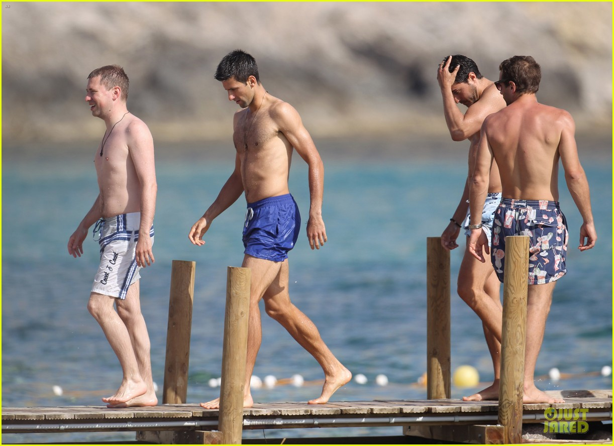 novak djovokic shirtless vacation after french open 093132171