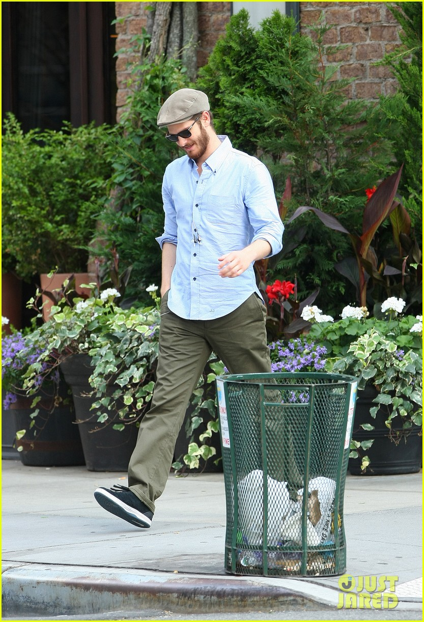 andrew garfield golf cap nyc 103143582