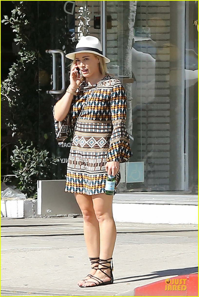 hilary duff mike comrie doing great 053130043