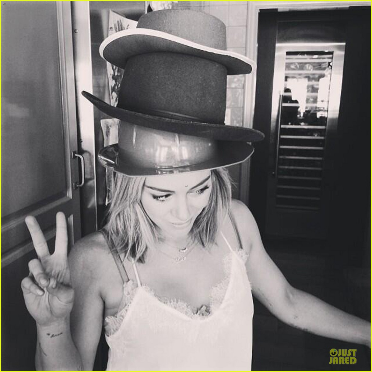 hilary duff gets hat inspirations from pharrell 04