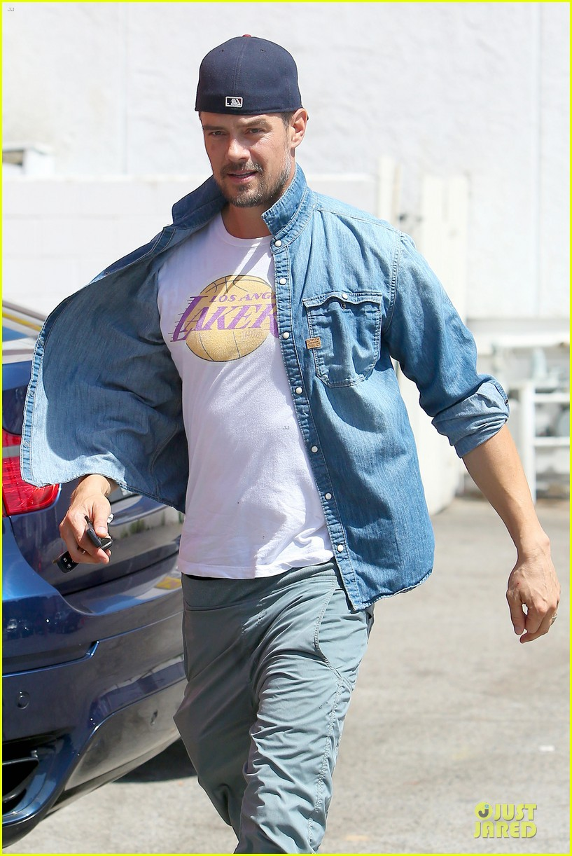 josh duhamel loves lakers despite losing 123127621