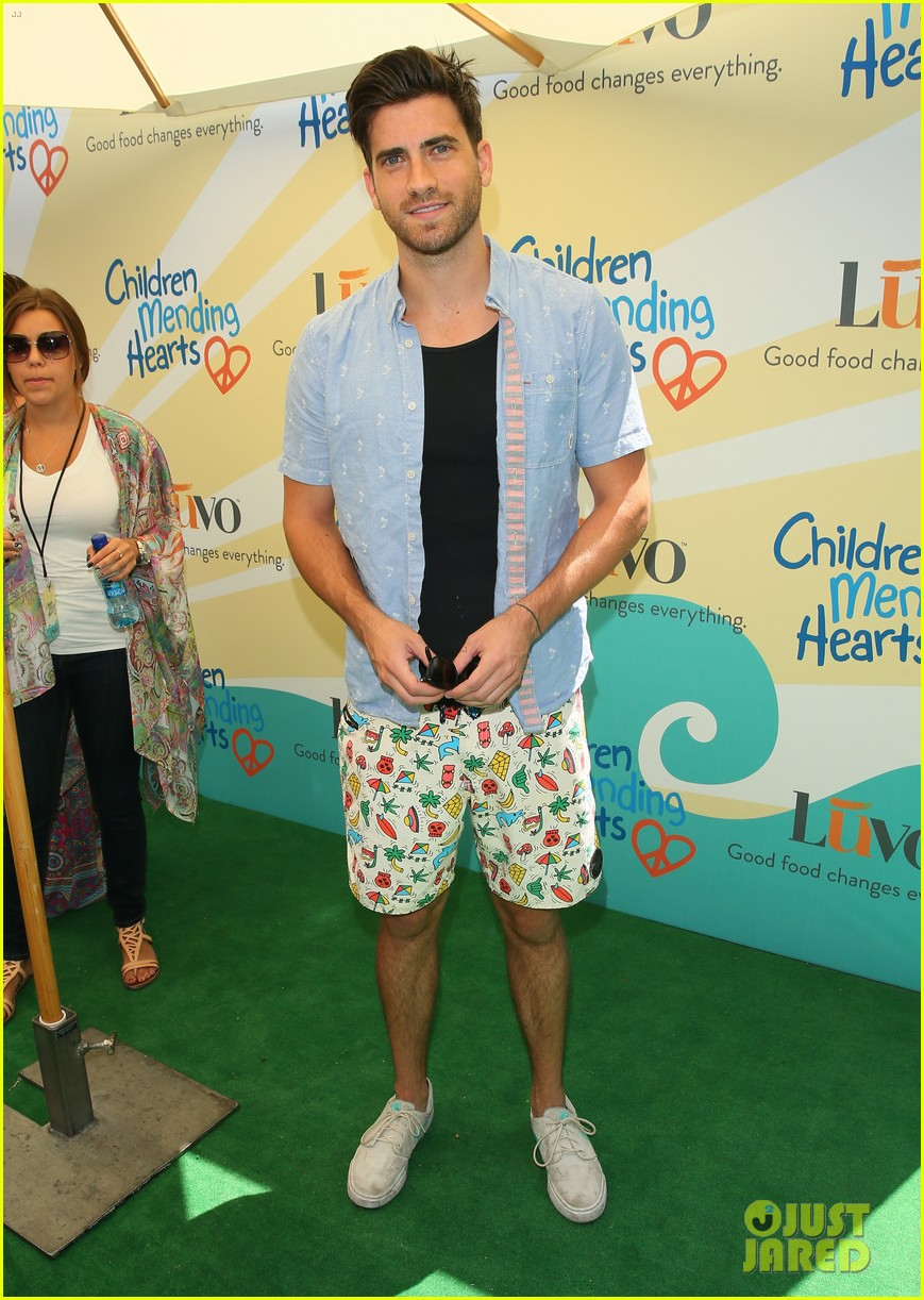 zac efron children mending hearts 053136476