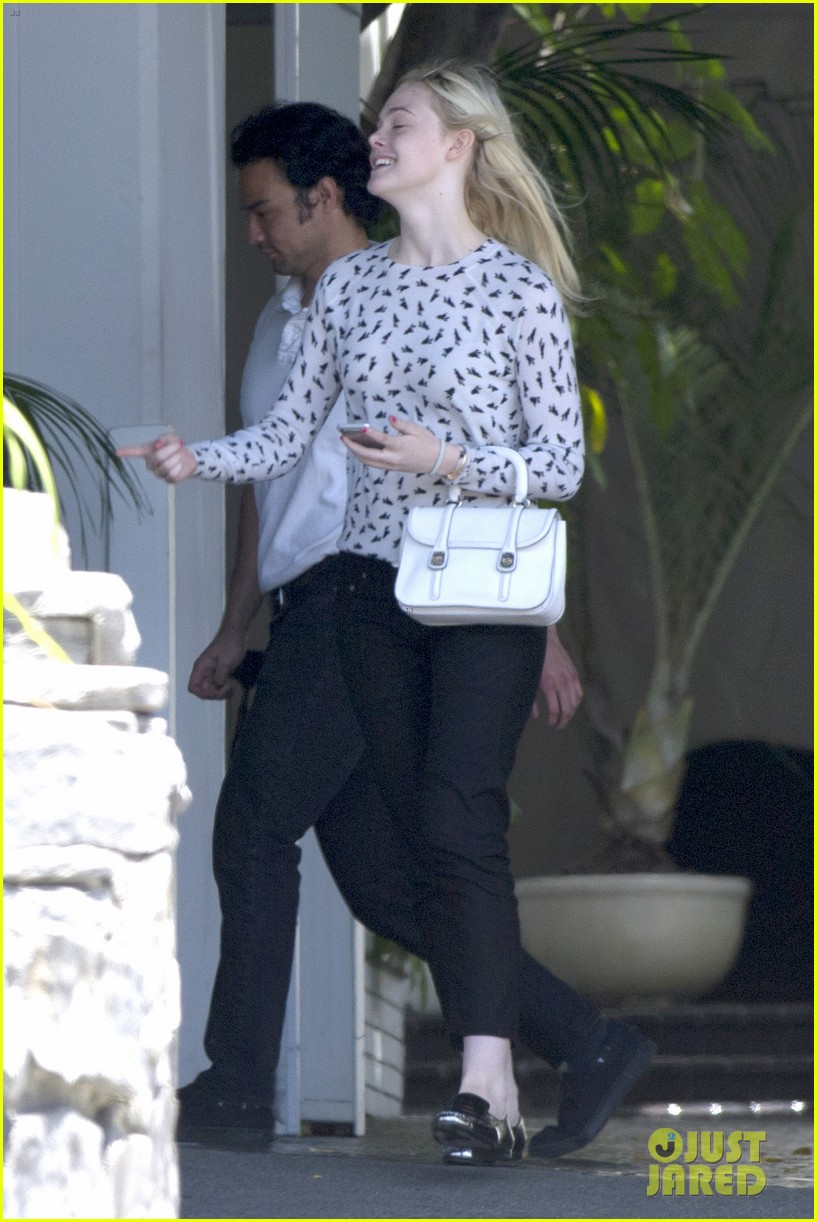 elle fanning chateau marmont two days 053136887