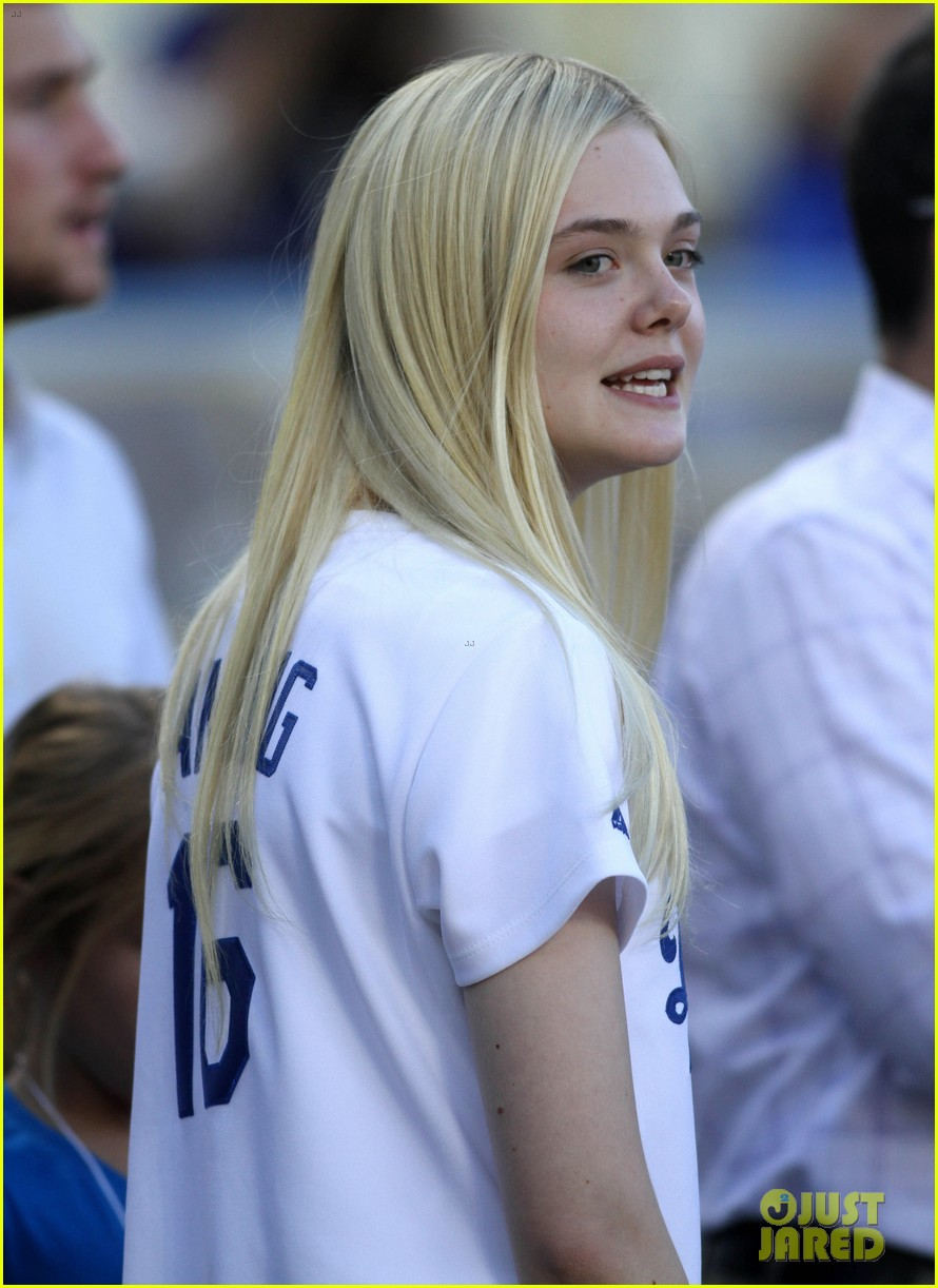 elle fanning first pitch dodgers game 063129275
