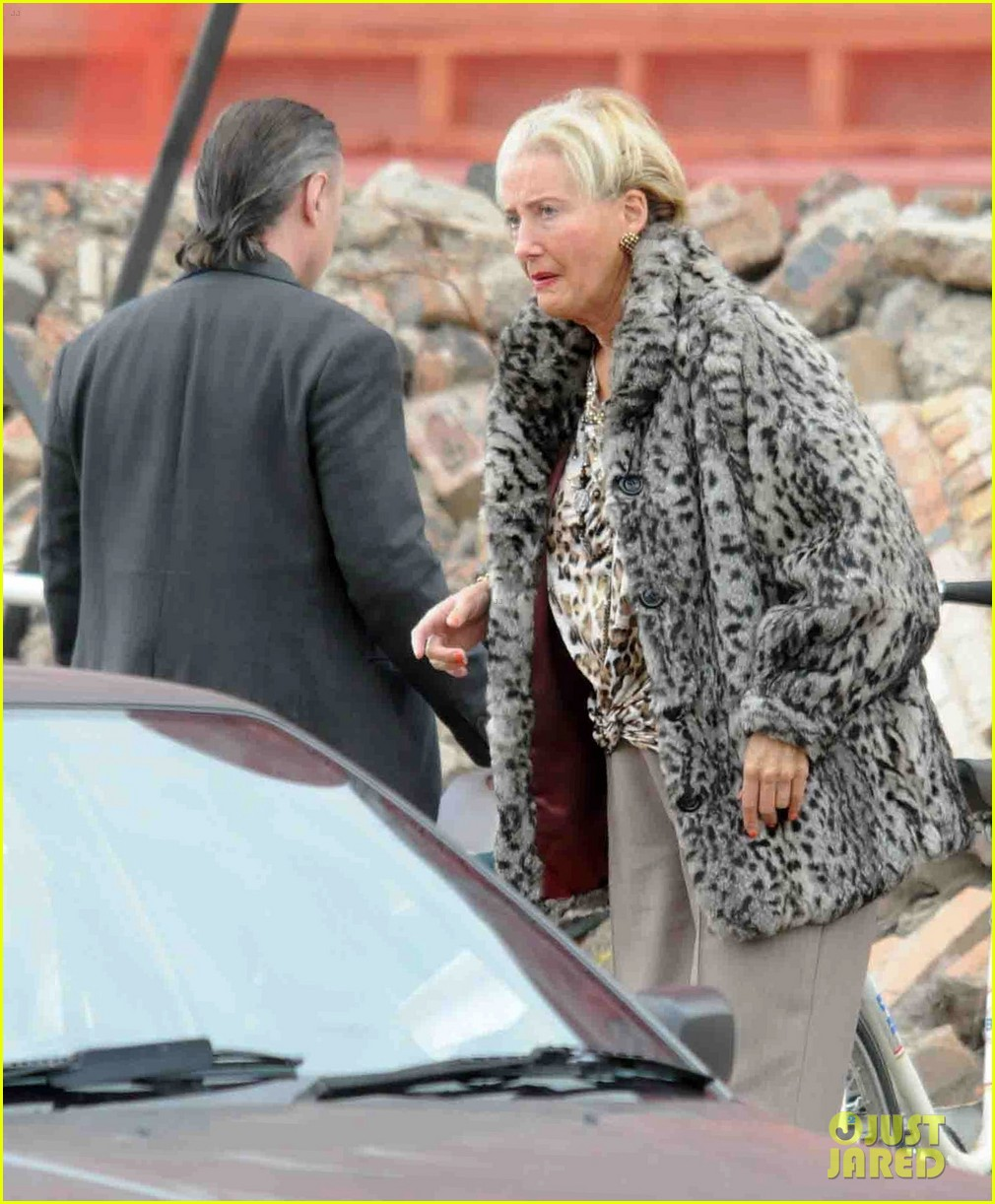emma thompson wears lots of age makeup for new movie 053144890