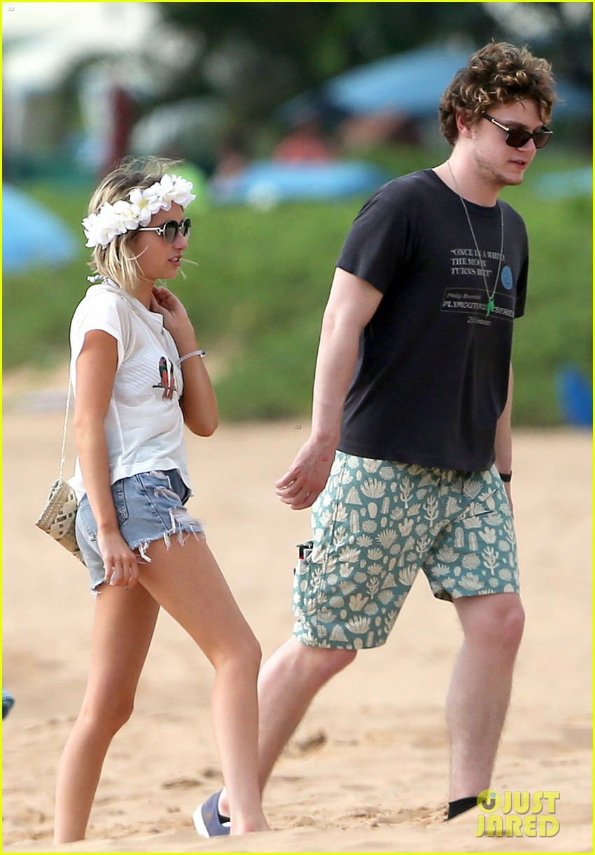 emma roberts bikini hawaii vacation evan peters 253127983