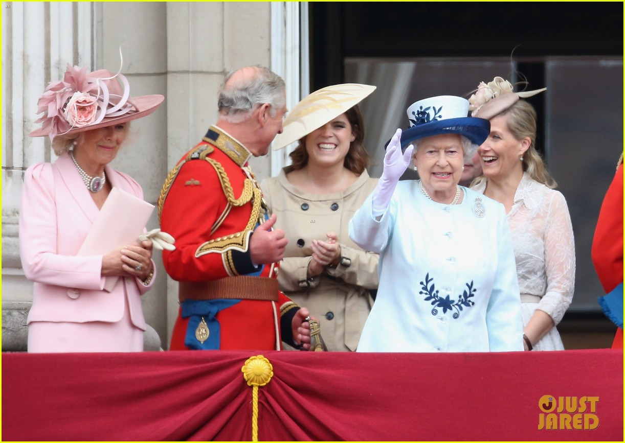 princess eugenie hangs out with cressida bonas 053135580