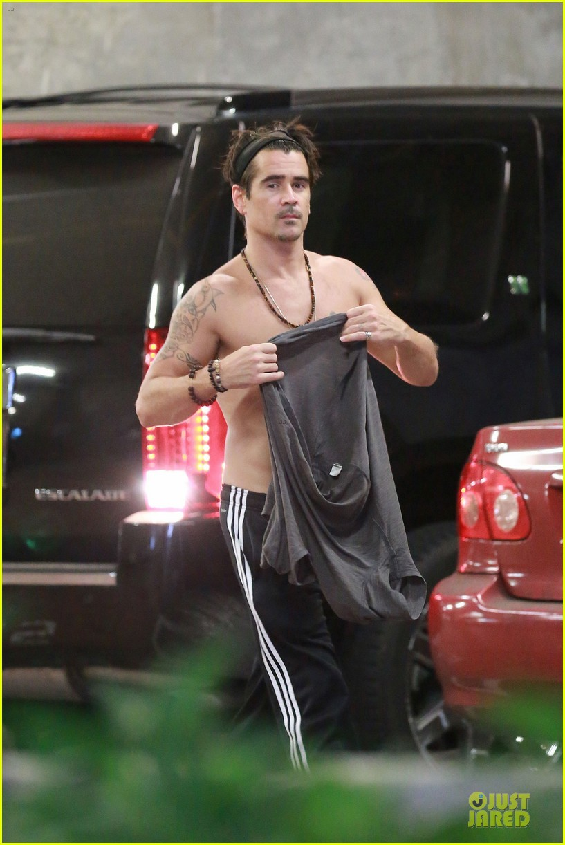 colin farrell shirtless after west hollywood lunch 08