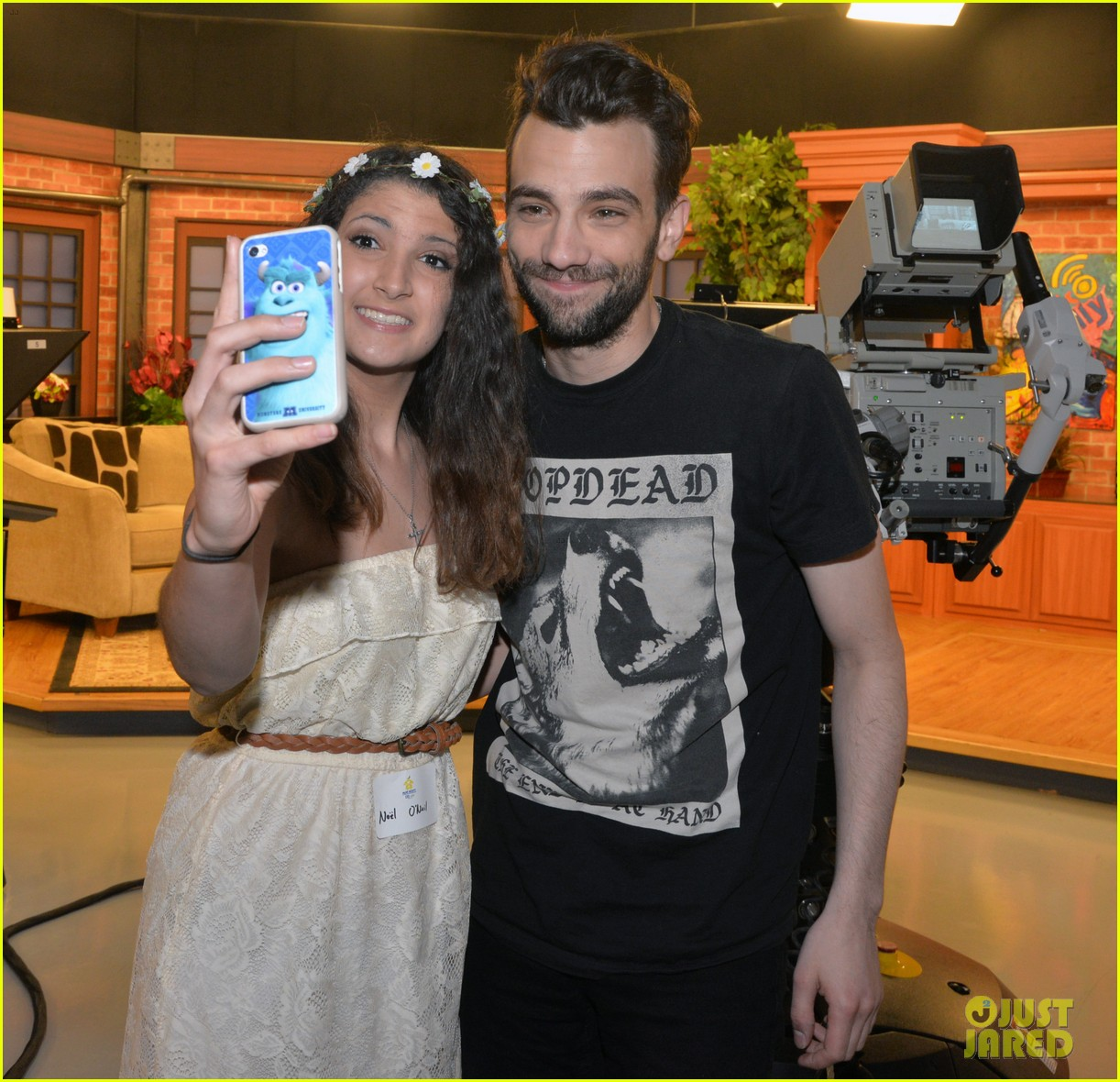 america ferrera jay baruchel caught me crying during how to train your dragon 2 04