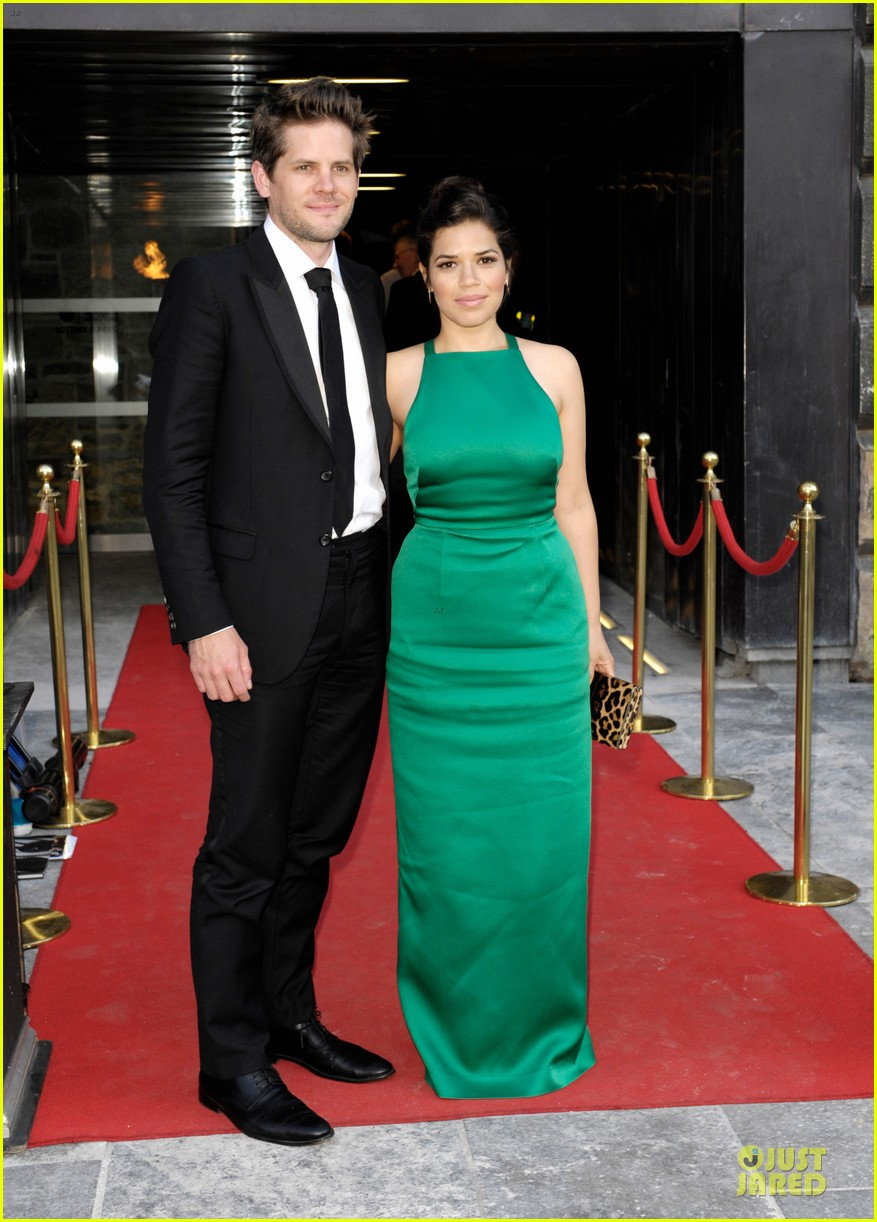 america ferrera ryan piers willaim look perfect at hyena premiere 033138565
