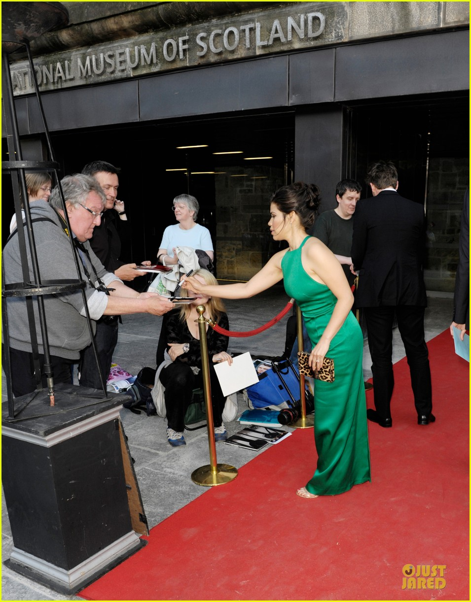 america ferrera ryan piers williams look perfect at hyena premiere 073138576