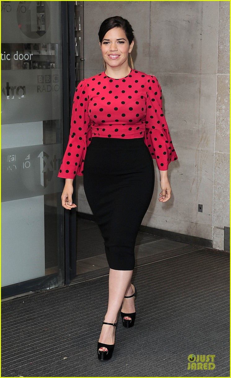 america ferrera red promoting how to train your dragon 2 033142197