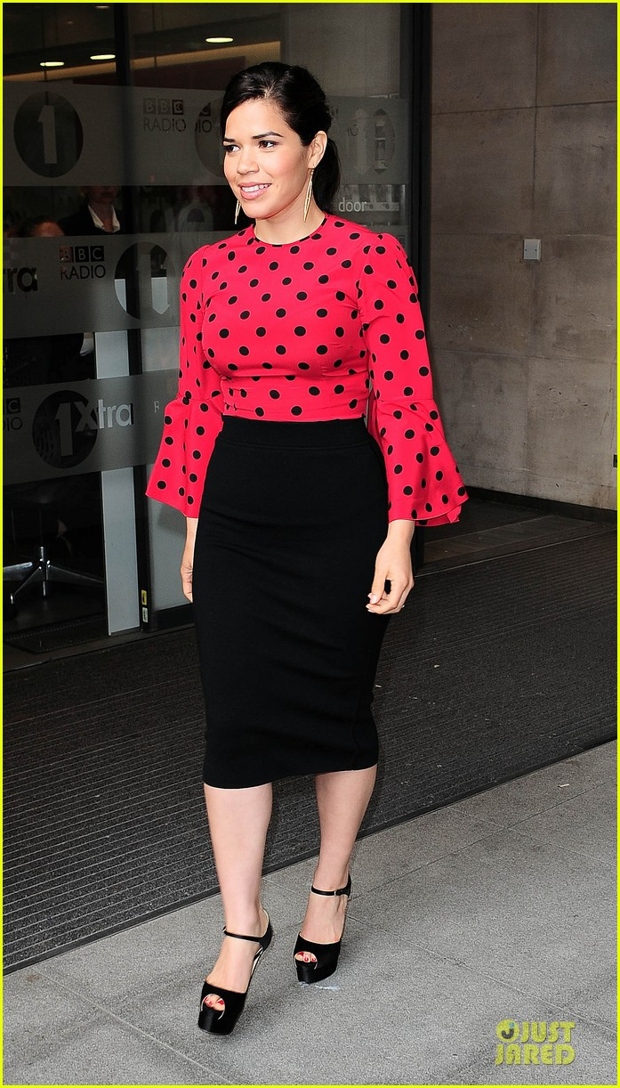 america ferrera red promoting how to train your dragon 2 073142201