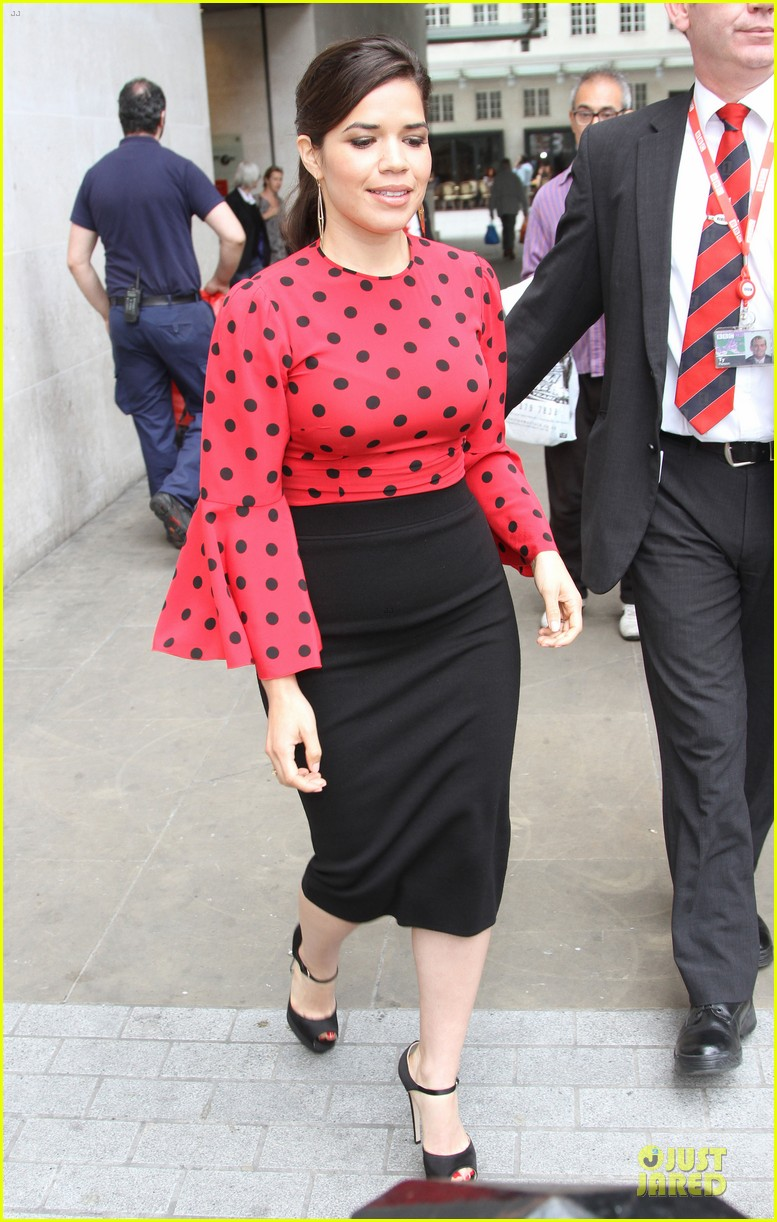 america ferrera red promoting how to train your dragon 2 113142205