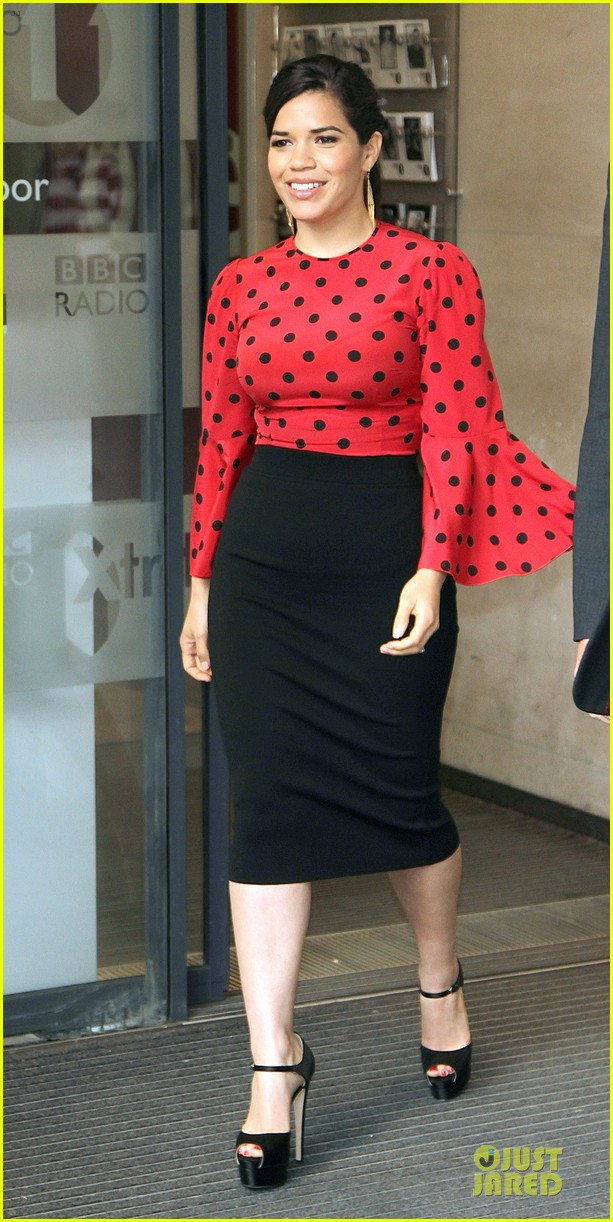 america ferrera red promoting how to train your dragon 2 123142206