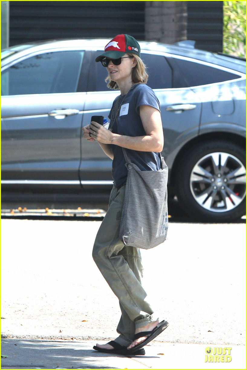 jodie foster talks booking oitnb gig 063138700