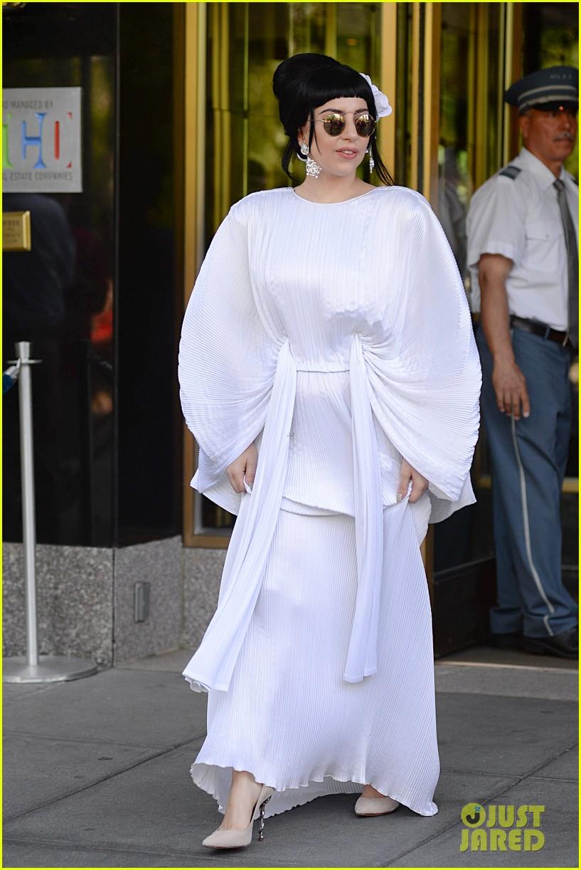 lady gaga kimono dress 083140105