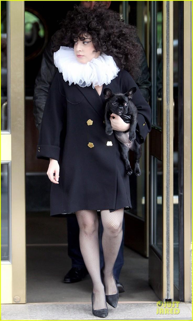 lady gaga brings back to british renaissance 013133468