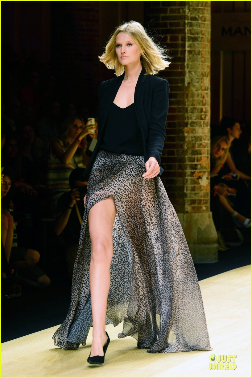 toni garrn legs for days at mango fashion show 103147190