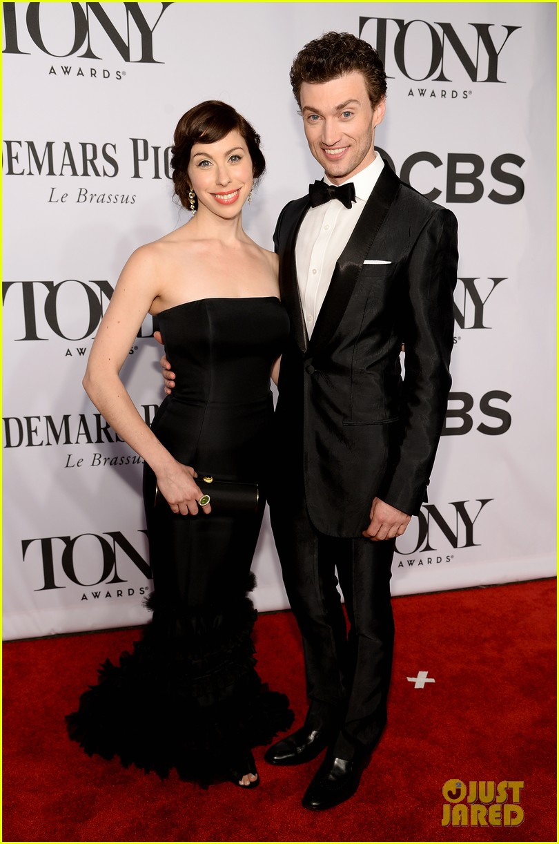 gentlemans guide to love murder tony awards 2014 05
