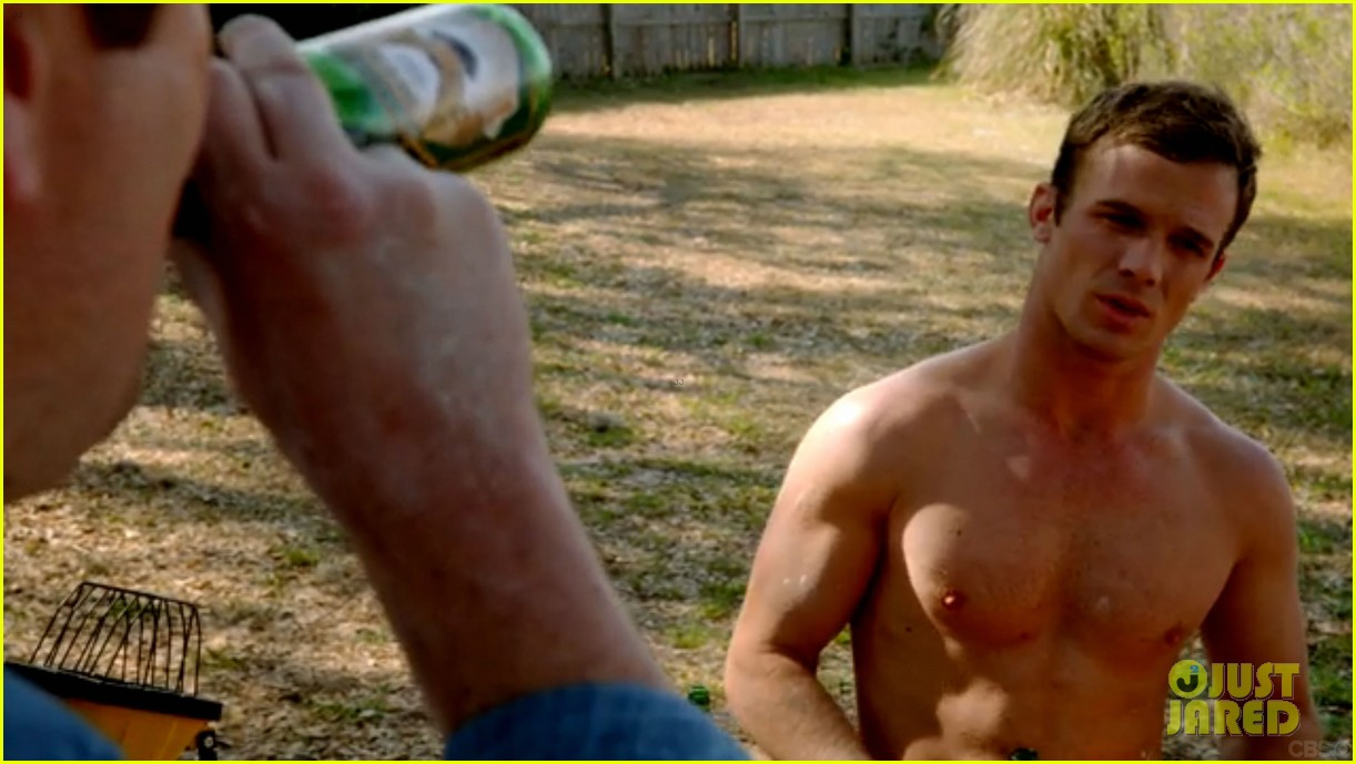 cam gigandet shirtless reckless series premiere 023146735