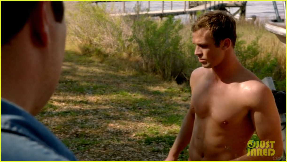cam gigandet shirtless reckless series premiere 123146745