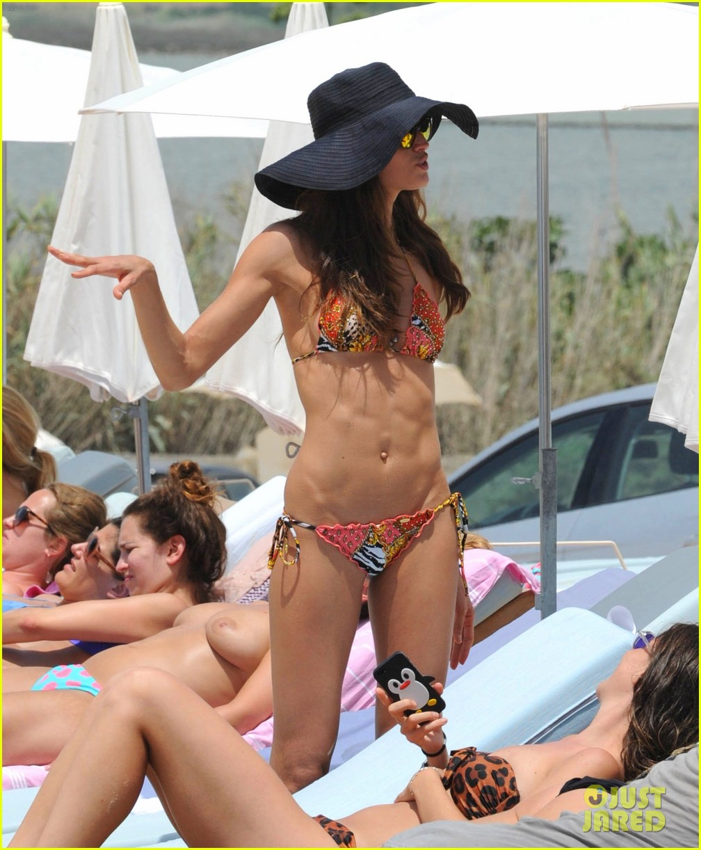 izabel goulart rocks bikini on vacation 173142554
