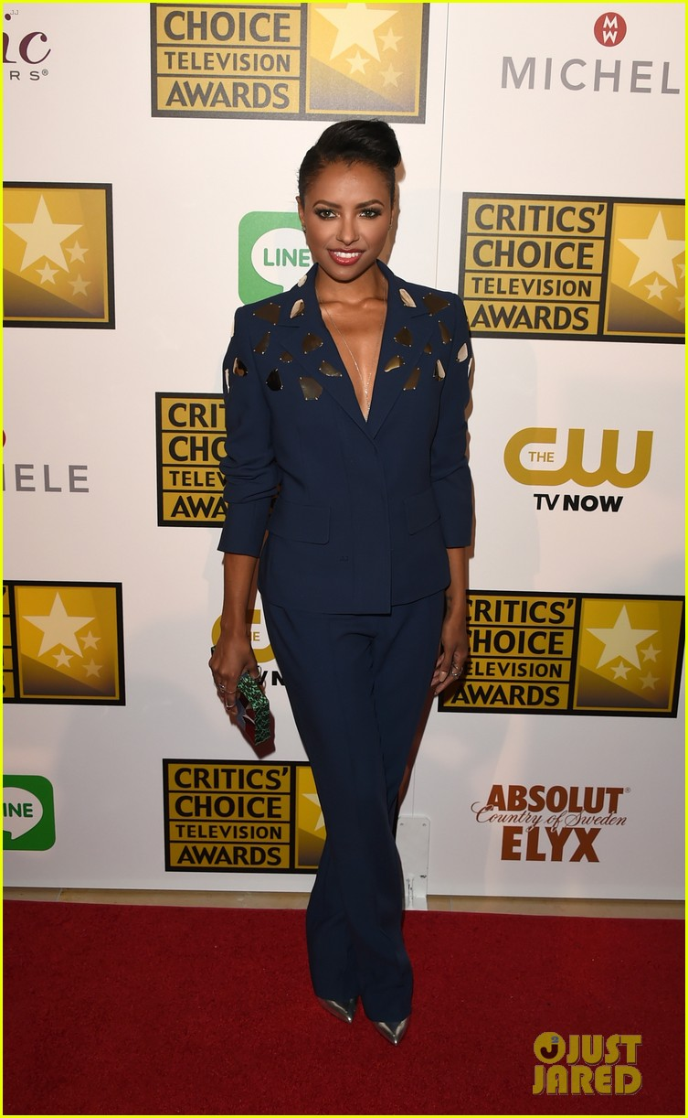 kat graham gina rodriguez critics choice tv awards 2014 013139529