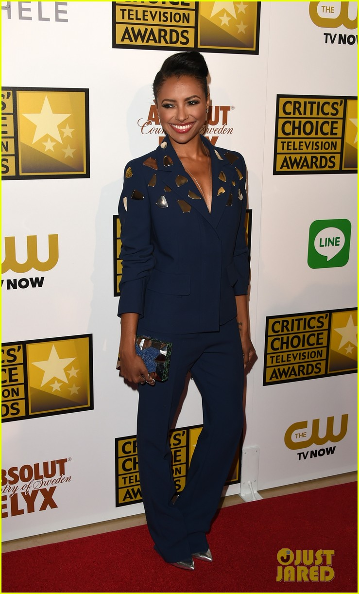 kat graham gina rodriguez critics choice tv awards 2014 07