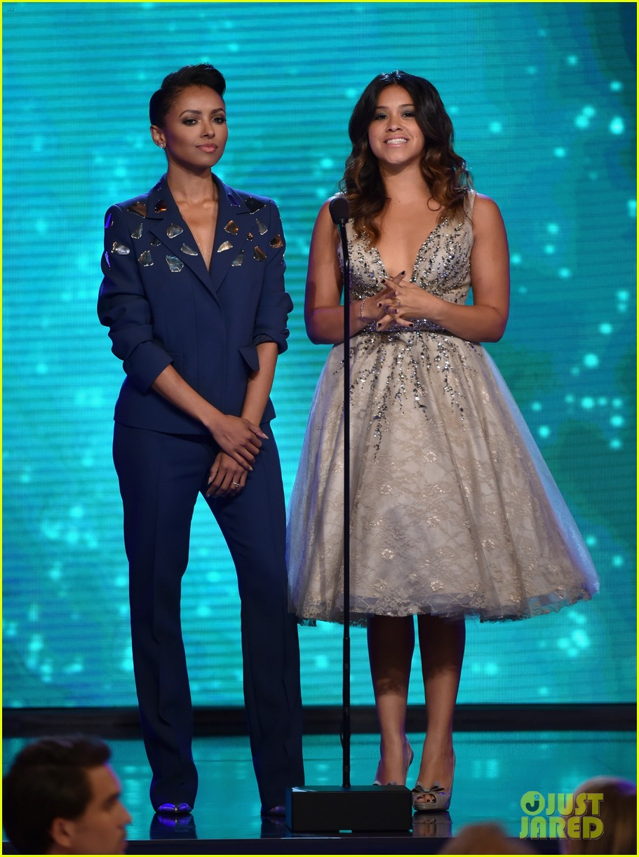 kat graham gina rodriguez critics choice tv awards 2014 243139552
